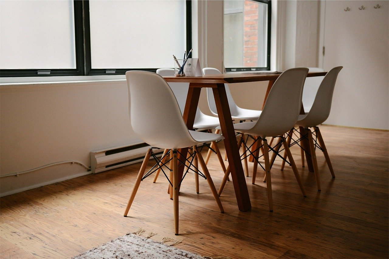 table-629772_1280.jpg